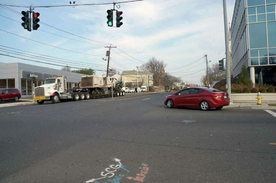 A $1.2 million grant has been secured to make improvements to a stretch of Kings Highway East from Chambers Street to Brentwood Avenue, with the goal to make it more pedestrian and bike friendly. Photo: Genevieve Reilly / Fairfield Citizen
