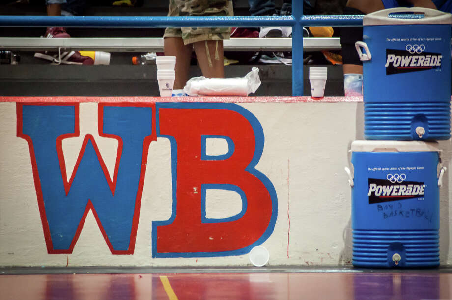 The West Brook Bruins competed against the Ozen Panthers Tuesday night at the Bruins' gynasium. Photo: Michael Reed / Michael Reed