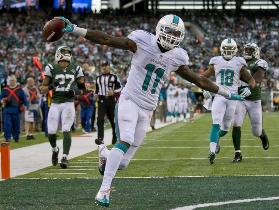 16. Dolphins (6-6) Last week: 22Despite off-field distrac-tions, Miami is tied for the last wild-card berth, but it has a difficult test at Pittsburgh. Photo: Joe Rimkus Jr., Miami Herald/MCT