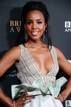 """Kelly RowlandBirthplace: Atlanta, GeorgiaClaim to fame: One of the founding members of Destiny's ChildCelebrity endorsement: Though her career in Destiny's Child didn't last long, her bank account is probably a """"survivor."""" Rowland signed deals as the worldwide ambassador for TW Steel watches and the spokesperson for Jaguar.  Photo: JOE KLAMAR, AFP/Getty Images"""