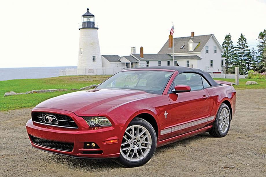 2014 Ford Mustang V-6 Convertible Premium / copyright: Dan Lyons - 2013