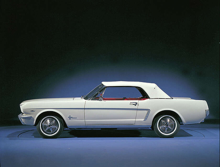 1964 Ford Mustang convertible Photo: .