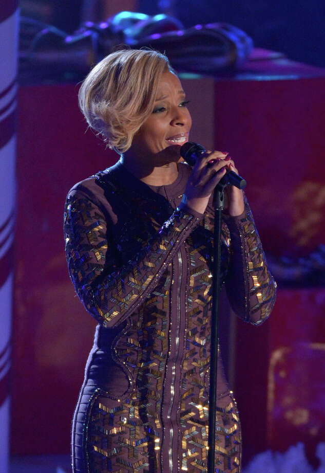 NEW YORK, NY - DECEMBER 04:  Mary J. Blige performs during 81st Annual Rockefeller Center Christmas Tree Lighting Ceremony at Rockefeller Center on December 4, 2013 in New York City. Photo: Stephen Lovekin, Getty Images / Getty Images