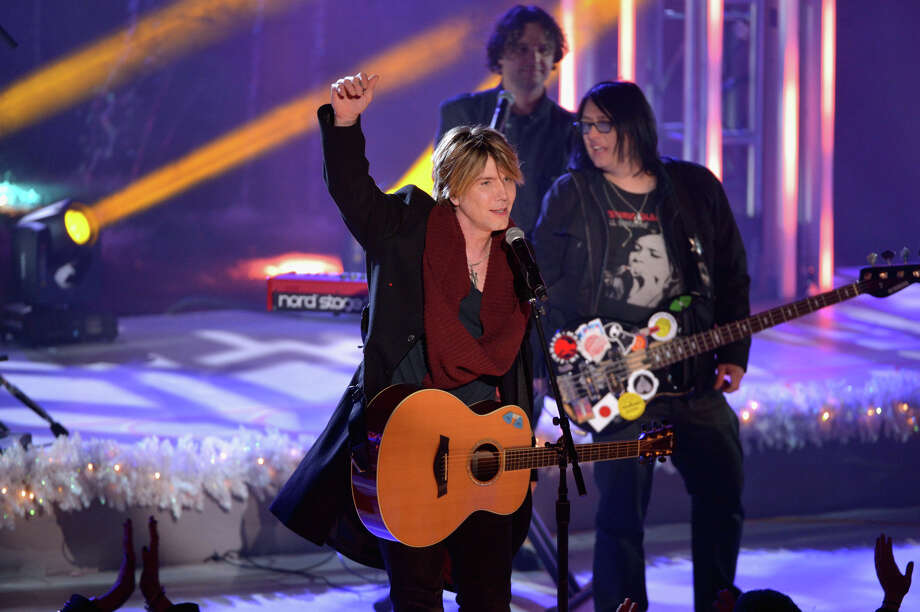 NEW YORK, NY - DECEMBER 04:  John Rzeznik and the Goo Goo Dolls perform during 81st Annual Rockefeller Center Christmas Tree Lighting Ceremony at Rockefeller Center on December 4, 2013 in New York City. Photo: Stephen Lovekin, Getty Images / Getty Images