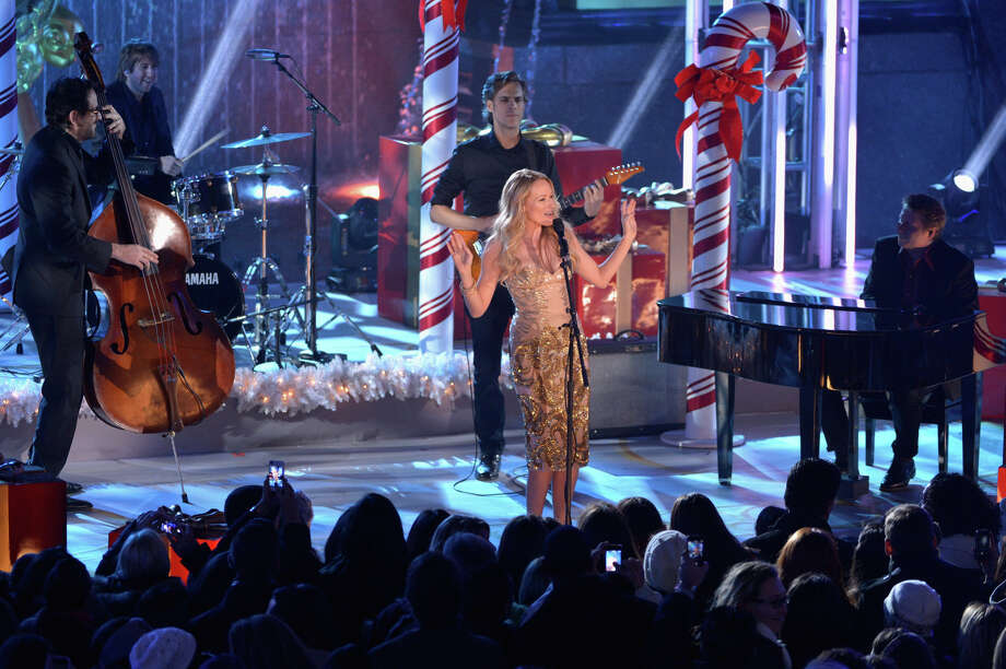 NEW YORK, NY - DECEMBER 04: Jewel performs during 81st Annual Rockefeller Center Christmas Tree Lighting Ceremony at Rockefeller Center on December 4, 2013 in New York City. Photo: Stephen Lovekin, Getty Images / Getty Images