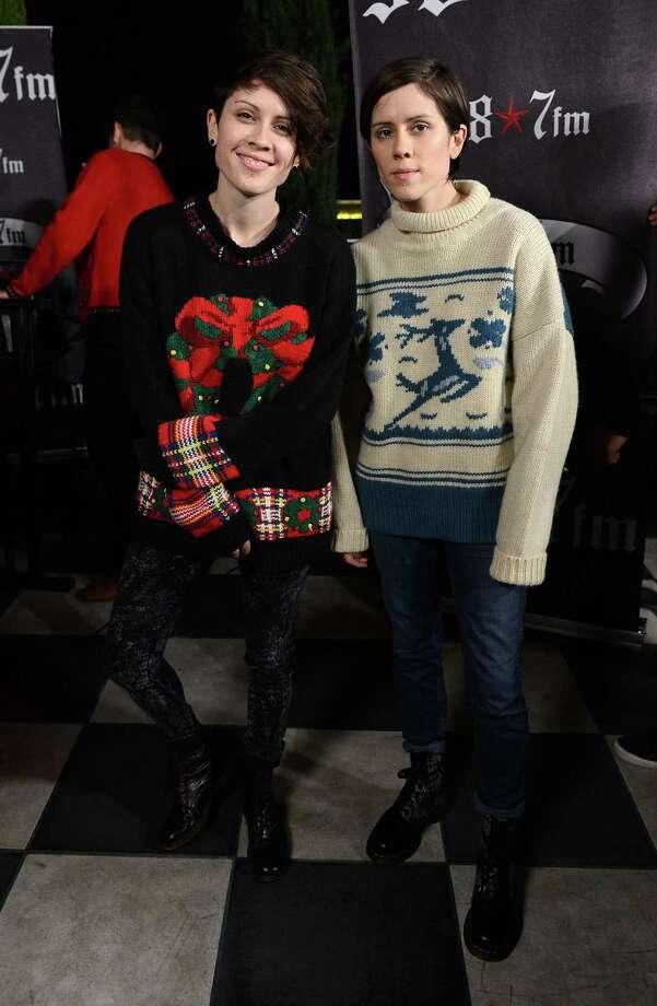 Tegan Quin (L) and Sara Quin of Tegan and Sara make ugly look adorable. Photo: Amanda Edwards, Getty Images / 2012 Amanda Edwards