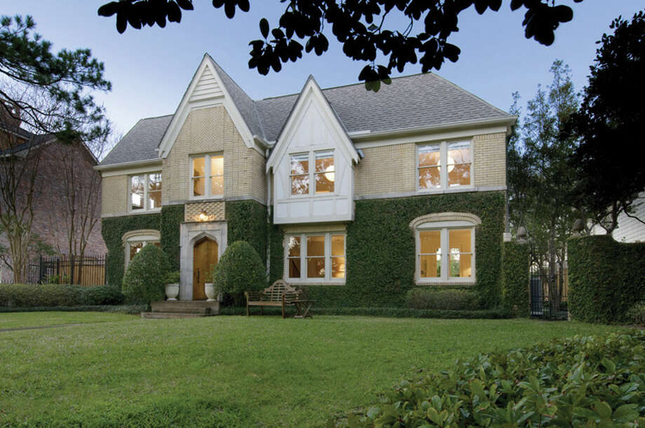 2012 Sunset is one of five homes on the Cool Classics Southampton/Museum District home tour on Dec. 8. / ONLINE_YES