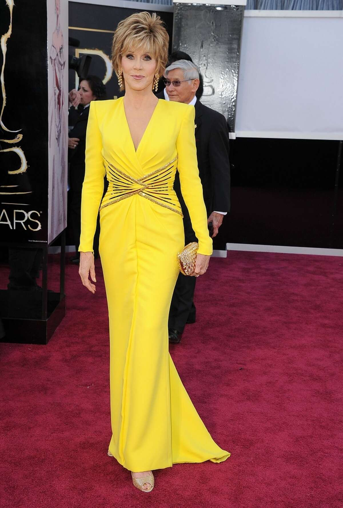 Jane Fonda went with bold color with this Atelier Versace at the Oscars.