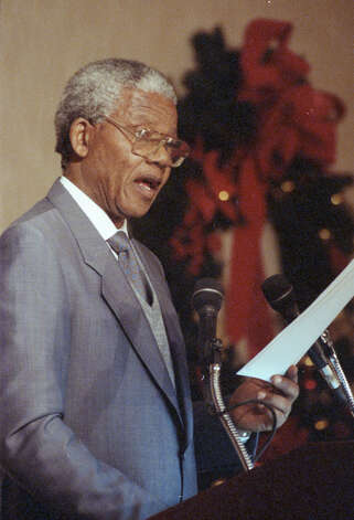 "12/07/1991 - Nelson Mandela, speaking in Houston on Saturday, said the African National Congress is ""not blind to the need to pursue policies that would attract consumer confidence."" Photo: John Everett, Chronicle File"