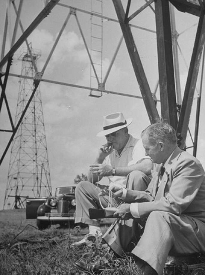 A Nieman Marcus salesman sells a $4,400 necklace to oilman at oil field.  (Photo by Nina Leen//Time Life Pictures/Getty Images) Photo: Nina Leen, Time & Life Pictures/Getty Image / Time Life Pictures