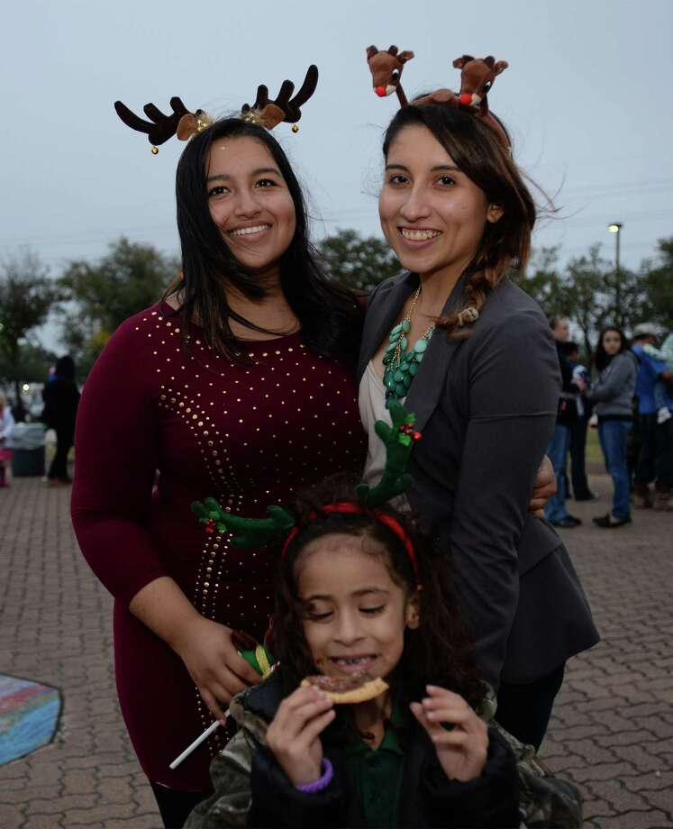 Christmas tree lighting ceremony in downtown Beaumont on Thursday.  Photo taken Thursday, December 05, 2013 Guiseppe Barranco/@spotnewsshooter Photo: Guiseppe Barranco, Photo Editor