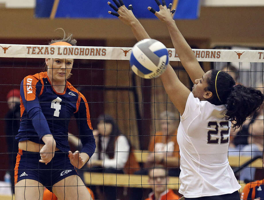 UTSA's Lauren Muenchow (left) blasts one past Texas A&M's Jazzmin Babers on Thursday, but the Aggies had little trouble ousting the Roadrunners in the first round of the NCAA tournament. Photo: Tom Reel / San Antonio Express-News