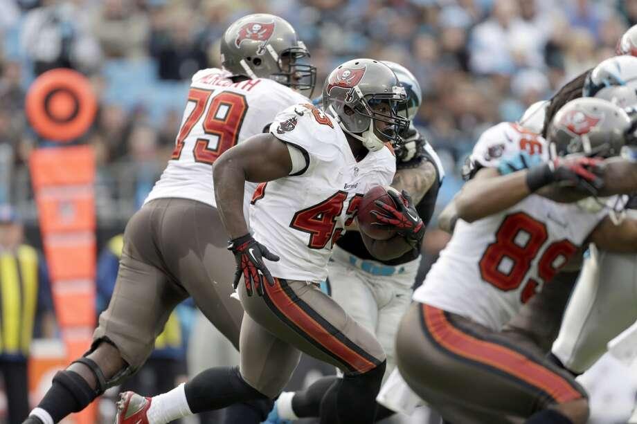 Buffalo (4-8) plus-2 ½ at Tampa Bay (3-9): Bucs 19-14 Photo: Bob Leverone, Associated Press