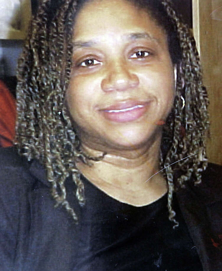In this undated photo released by her family, Michelle McIntosh of Bridgeport, Conn., is shown. McIntosh died July 4, 2007, when her van rolled into BunnellâÄôs Pond, at Beardsley Park in Bridgeport. McIntosh, her son, David McIntosh, 2, and family friend Julia Boyd 3, died. Her nephew, Jaydan Wilson,  6, died a day later. Photo: File Photo / Connecticut Post File Photo