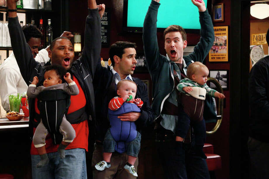 GUYS WITH KIDS: NBC, 2012-2013 Photo: NBC, Vivian Zink/NBC / 2012 NBCUniversal Media, LLC