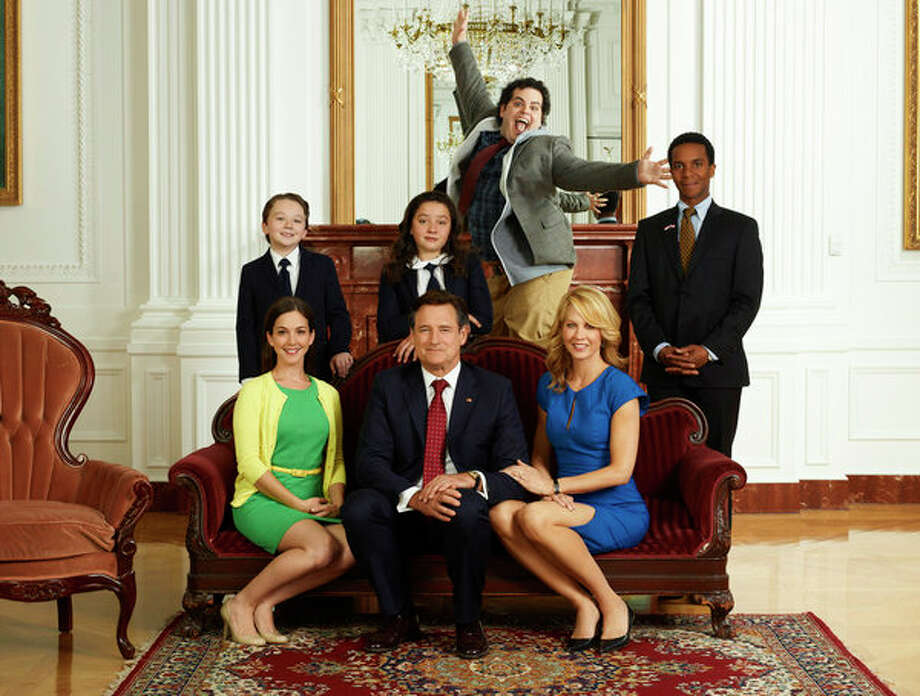 1600 PENN: NBC, 2013  Between Bill Pullman, Jenna Elfman and Josh Gad, this White House sitcom had a great cast, but it just never won over audiences. Photo: NBC, Chris Haston/NBC / 2012 NBCUniversal Media, LLC
