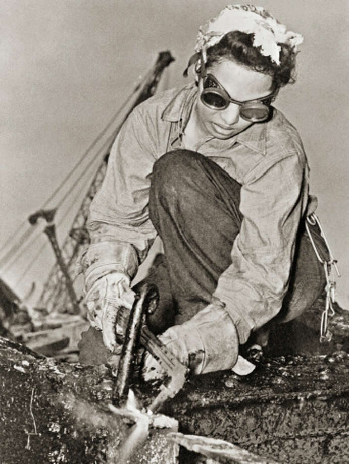 Woman Wields Cutting Torch in Rescue, Repair and Salvage Efforts After Attack on Pearl Harbor Photo: Library Of Congress - Edited Version © Science Faction, Getty Images / Science Faction