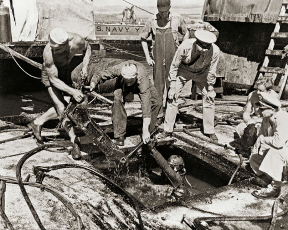 Rescue and Salvage Efforts After Attack on Pearl Harbor Photo: Library Of Congress - Edited Version © Science Faction, Getty Images / Science Faction