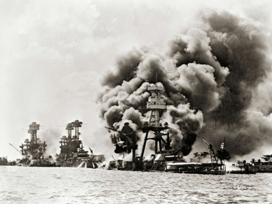 Ships Burning and Sinking After Attack on Pearl Harbor Photo: Library Of Congress - Edited Version © Science Faction, Getty Images / Science Faction