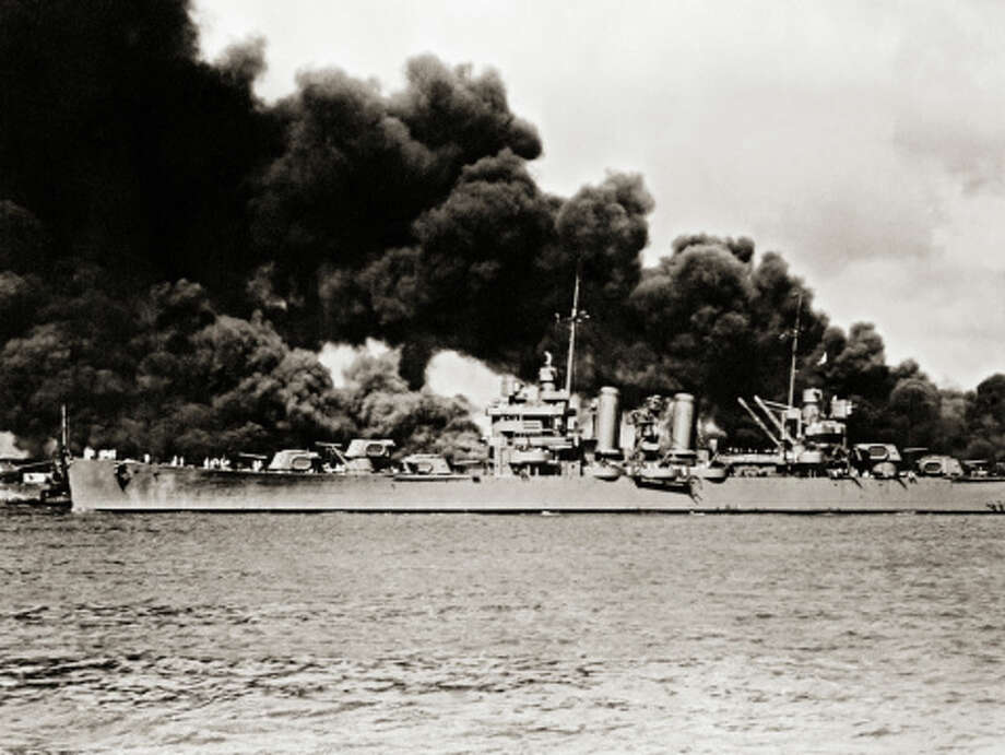 Battleship Surveys Destruction Photo: Library Of Congress - Edited Version © Science Faction, Getty Images / Science Faction