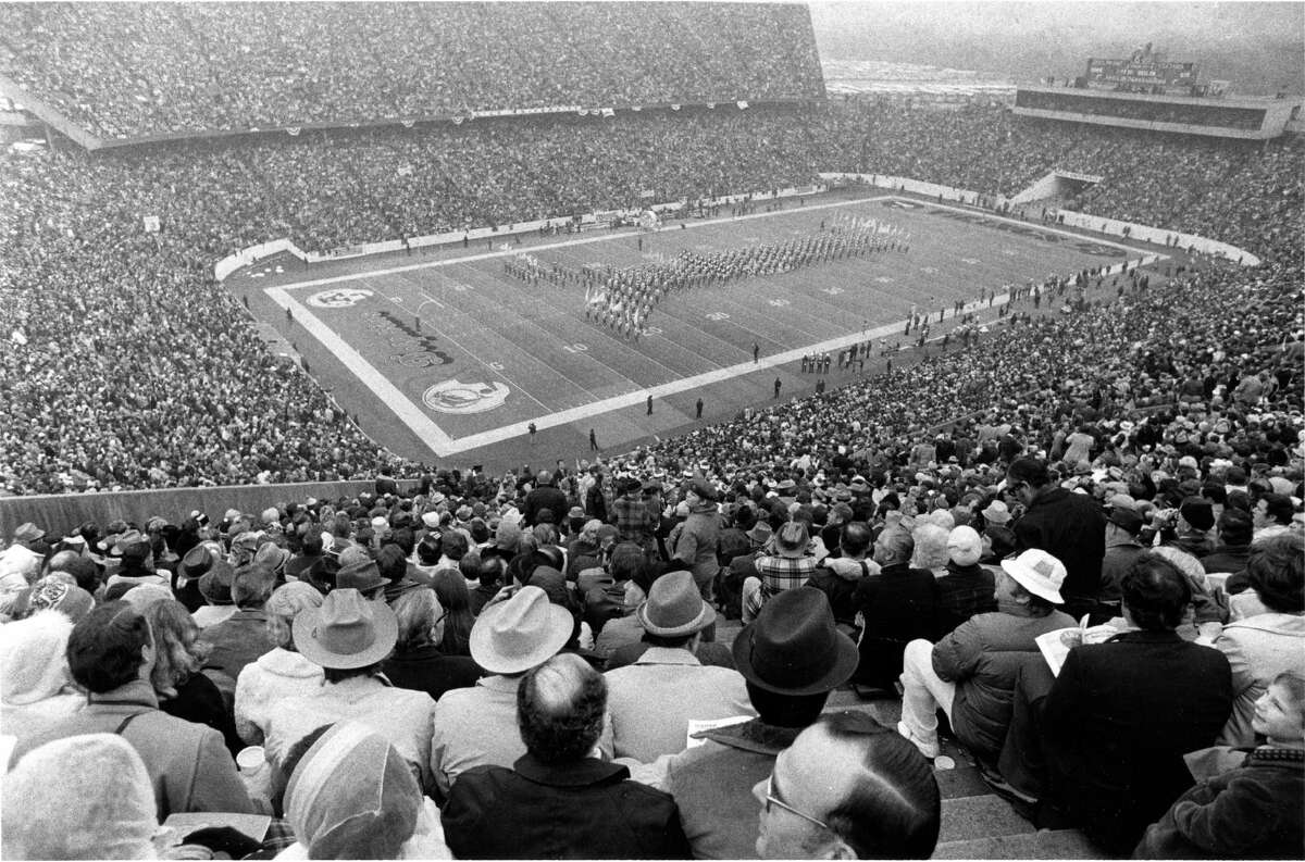Fans watch Super Bowl VIII between the Minnesota Vikings and the Miami Dolphins at Rice Stadium on Jan, 13, 1974.