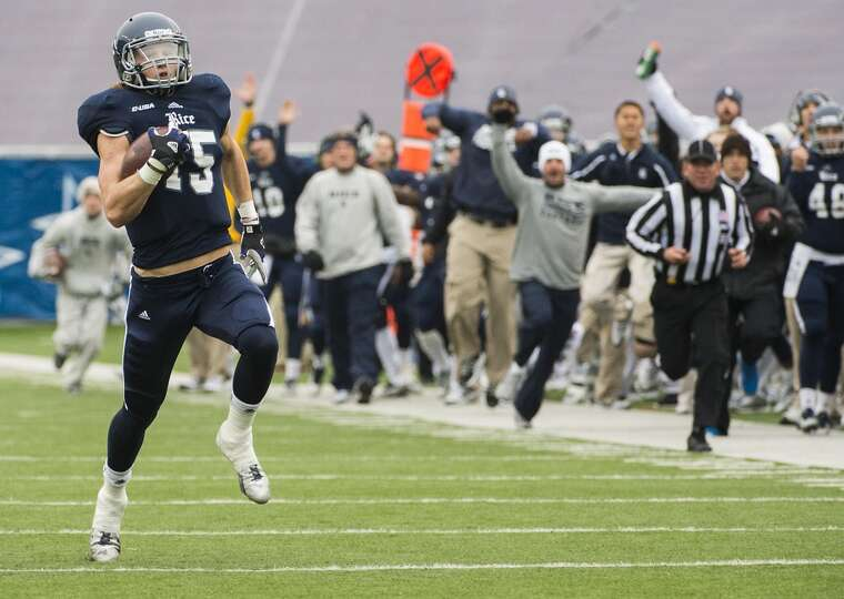 Rice receiver Jordan Taylor catches a 75-yard pass en route to a touchdown against Marshall.