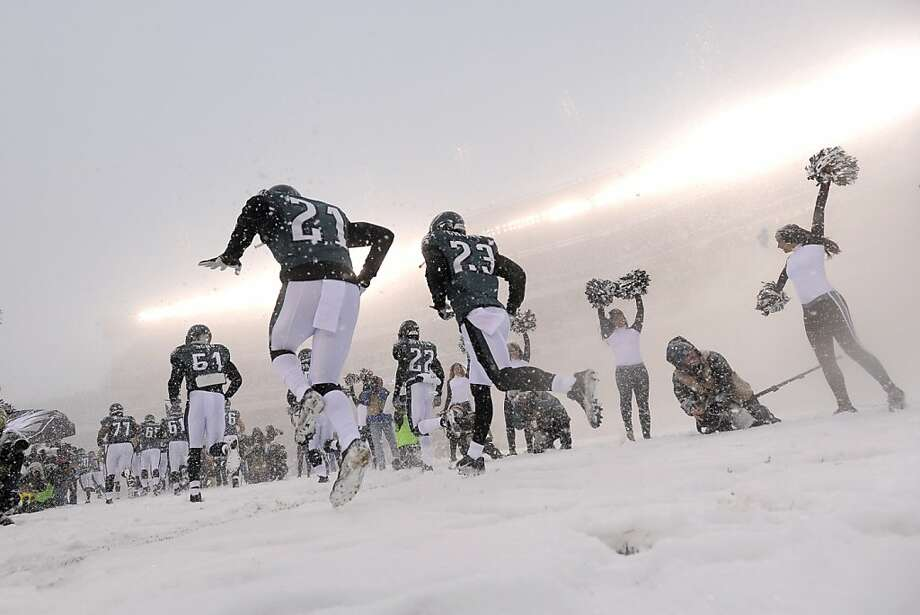 Philadelphia Eagles players during the first half of an NFL football game, Sunday, Dec. 8, 2013, in Philadelphia.  Photo: Michael Perez, Associated Press