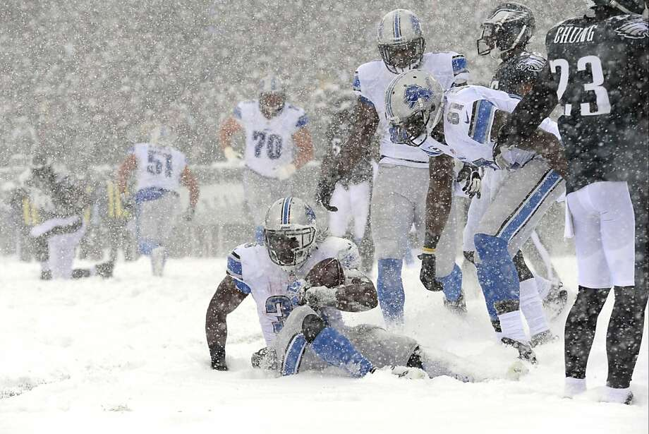 Detroit Lions' Joique Bell scores a touchdown during the first half of an NFL football game against the Philadelphia Eagles, Sunday, Dec. 8, 2013, in Philadelphia.  Photo: Michael Perez, Associated Press
