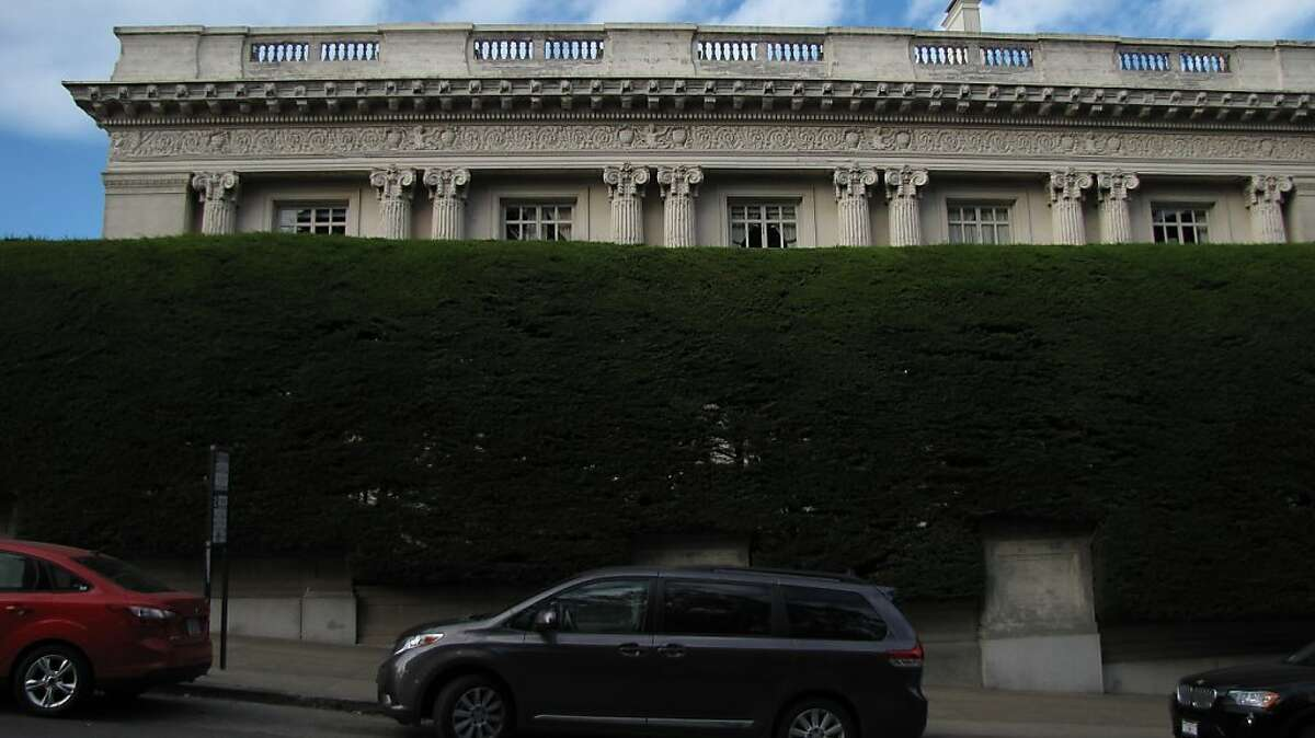 Danielle Steel's enormous hedge outside of Spreckels Mansion in Pacific Heights.