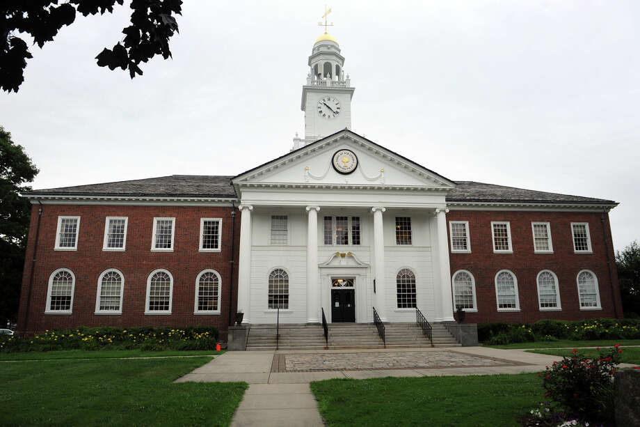 Stratford Town Hall. Photo: Ned Gerard / Connecticut Post
