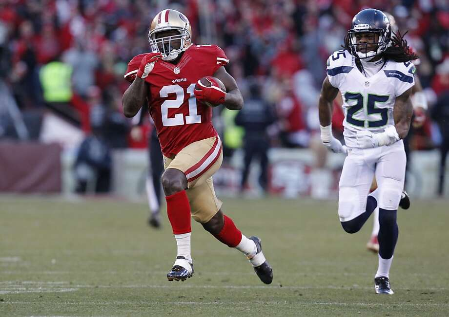 Running back Frank Gore had the seventh 1,000-yard rushing season of his career, playing in all 16 regular- season games for the third year in a row. Photo: Michael Macor, The Chronicle