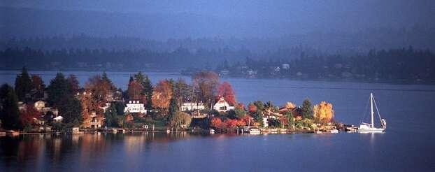 Seattle also has Lake Washington. Oh, there's also Lake Union, Green Lake, Bitter Lake. .. Enough already. Photo: PAUL JOSEPH BROWN