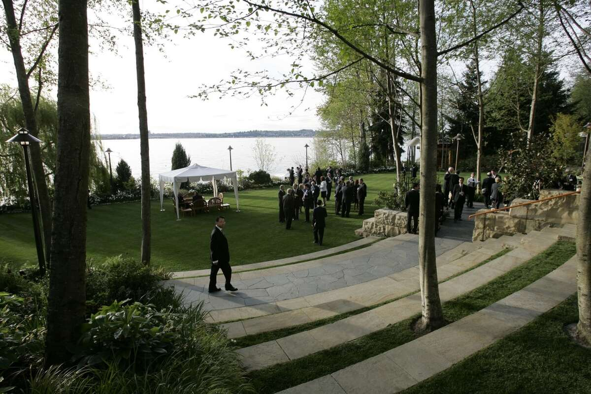 Bill Gates' home in Medina. Pictured is his waterfront yard during a 2006 dinner hosted by then-Gov. Chris Gregoire in honor of then-Chinese President Hu Jintao.
