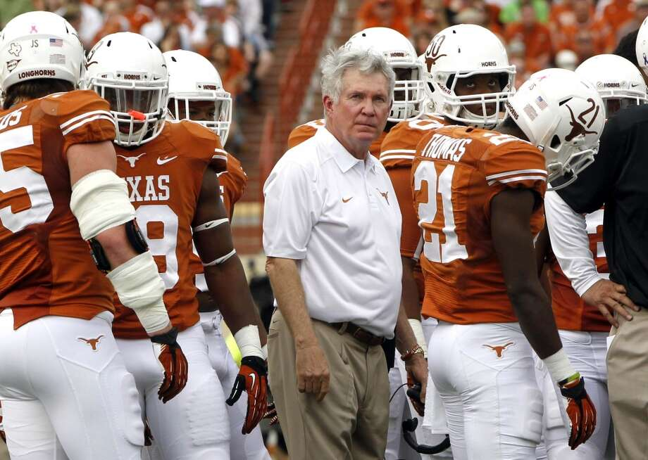 Valero Alamo Bowl  Oregon vs. Texas  Time: 5:45 p.m.  Date: Dec. 30, 2013  TV: ESPN  Location: Alamodome in San Antonio Photo: Michael Thomas, Associated Press