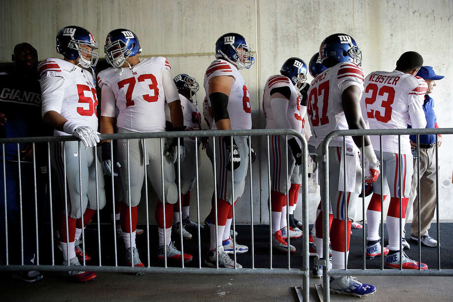 New York Giants wait to take the field for the first half of an NFL football game against the Philadelphia Eagles Sunday, Oct. 27, 2013 in Philadelphia. Photo: Matt Rourke, AP / AP
