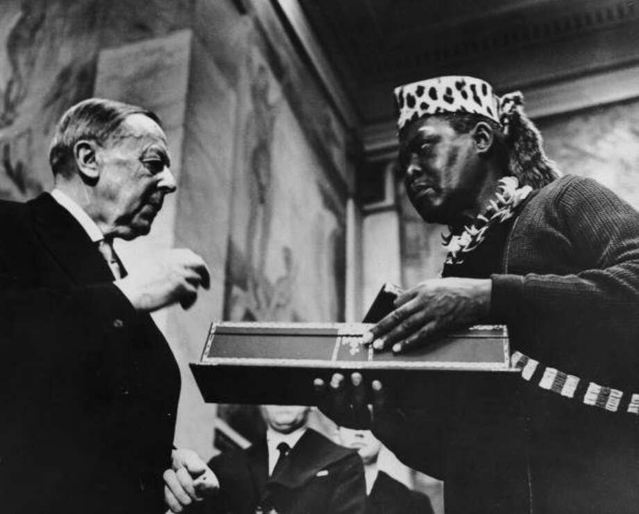 Albert Lutuli was awarded the Nobel Peace Prize in 1960 for his struggle against apartheid in South Africa. Photo: Keystone, Getty / 2006 Getty Images
