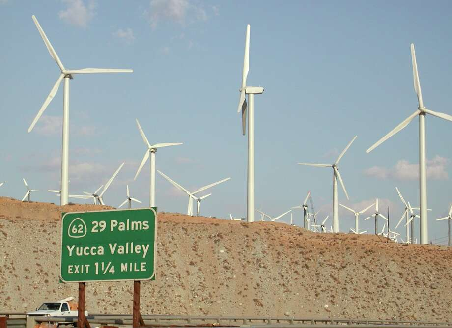 Closely spaced wind generators installed along bird flyways, like these in Southern California, kill far more birds than those away from flyways. Photo: Forrest M. Mims III