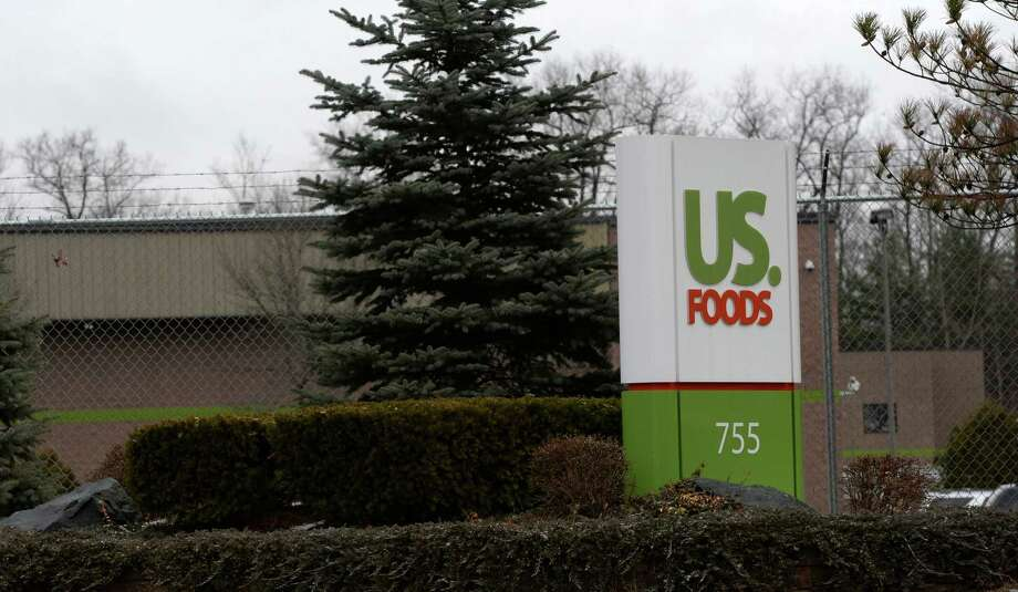 Exterior of the US Foods property Monday afternoon, Dec. 9. 2013, in Clifton Park, N.Y. (Skip Dickstein/Times Union) Photo: SKIP DICKSTEIN / 00024959A