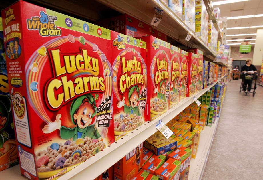 A shelf of General Mills Lucky Charms cereal in a Giant Eagle grocery in Pittsburgh, is shown on Sept. 21, 2006. Photo: GENE J. PUSKAR, Associated Press / AP2006