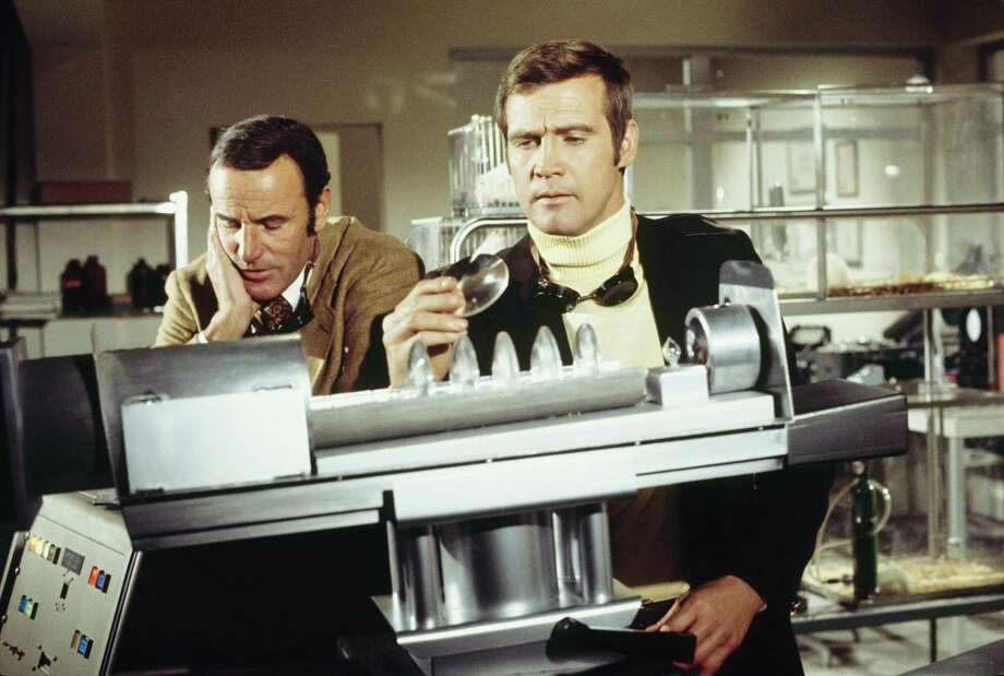 "Actors Richard Anderson and Lee Majors in the episode ""Operation Firefly,"" which aired Feb. 1, 1974. After his bionic debut the previous year in a TV movie, ""The Six Million Dollar Man"" premiered in 1974. Photo: ABC Photo Archives, Getty Images / 2010 American Broadcasting Companies, Inc."