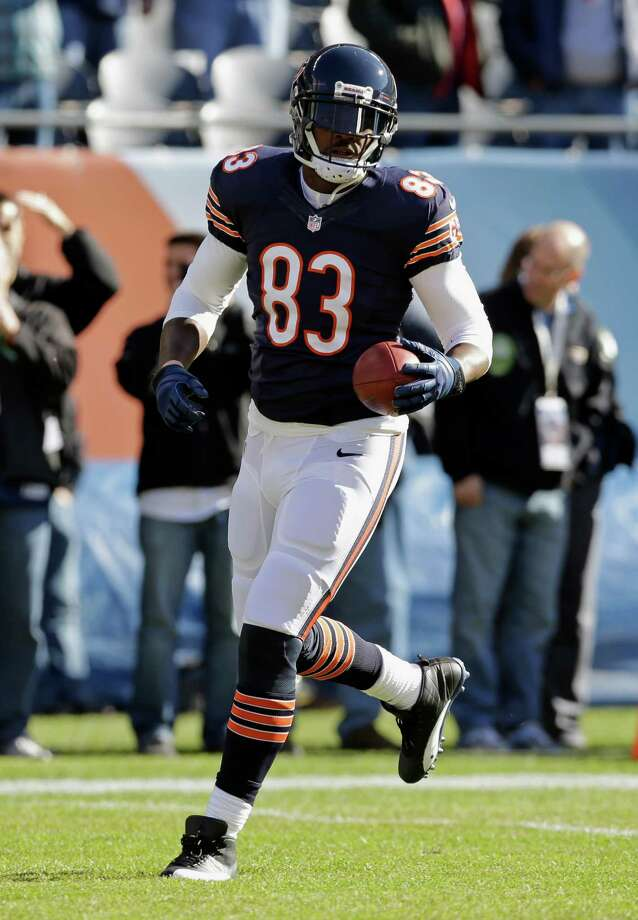 Chicago Bears tight end Martellus Bennett (83) warms up before an NFL football game against the Detroit Lions, Sunday, Nov. 10, 2013, in Chicago. (AP Photo/Nam Y. Huh) Photo: Associated Press / AP