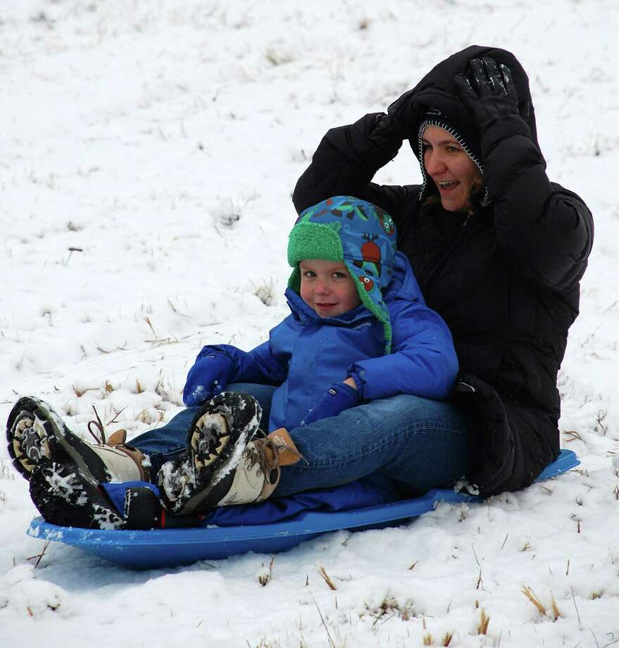 Light snow brushes Westport, cancelling school day