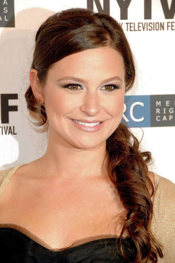 """Katie Lowes briefly played Brandy Buffkin on the CW show """"Easy Money,"""" for which she's pictured at the premiere in 2008.  Photo: Joe Corrigan, Getty Images / 2008 Joe Corrigan"""