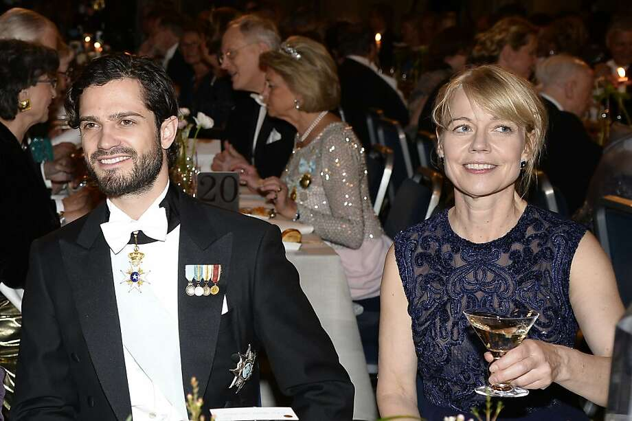STOCKHOLM, SWEDEN - DECEMBER 10:  (L-R) Prince Carl Philip of Sweden and Jenny Munro attend the Nobel Prize Banquet after the 2013 Nobel Prize Awards Ceremony at City Hall on December 10, 2013 in Stockholm, Sweden.  Photo: Pascal Le Segretain, Getty Images