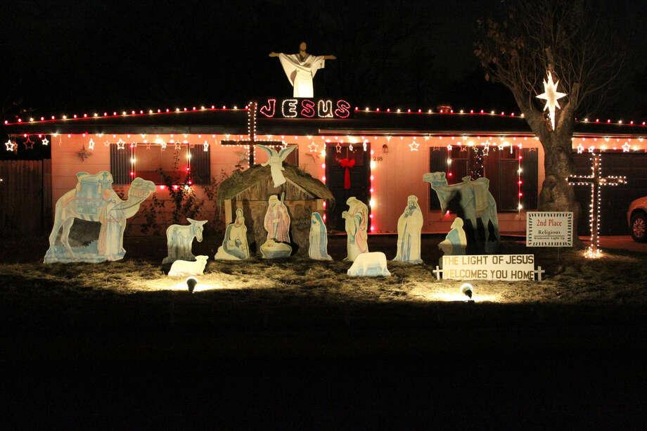 photo ne herald file photos - Windcrest Christmas Lights
