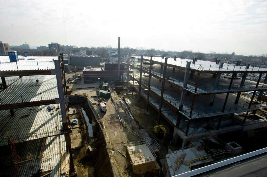 Construction continues at Stamford Hospital in Stamford. Photo: Lindsay Perry / Stamford Advocate