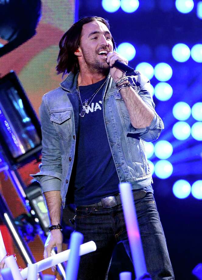 LAS VEGAS, NV - DECEMBER 10:  Recording artist Jake Owen performs onstage during the 2013 American Country Awards at the Mandalay Bay Events Center on December 10, 2013 in Las Vegas, Nevada. Photo: Ethan Miller, Getty Images / 2013 Getty Images