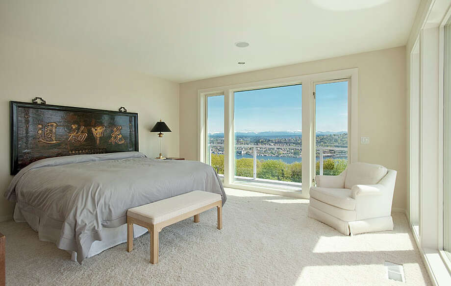 Bed with a view.  Photos via MLS/Listing courtesy of  Realogics Sotheby's Int'l Rlty