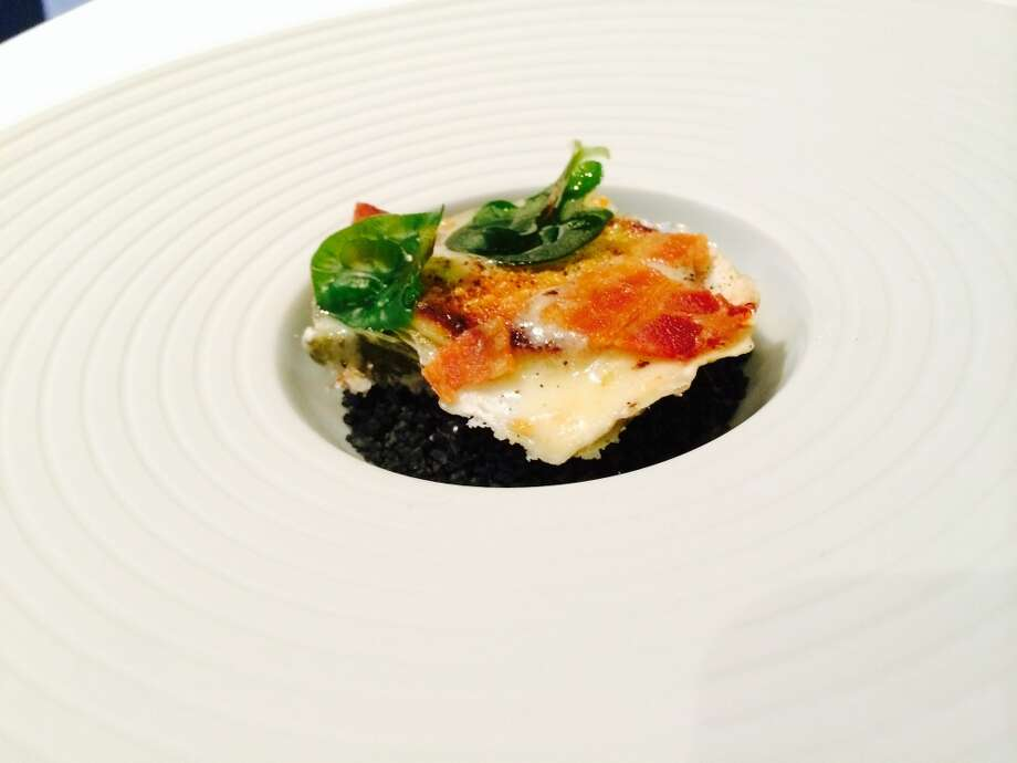 "Oysters ""Rockefeller"" with bacon cream"