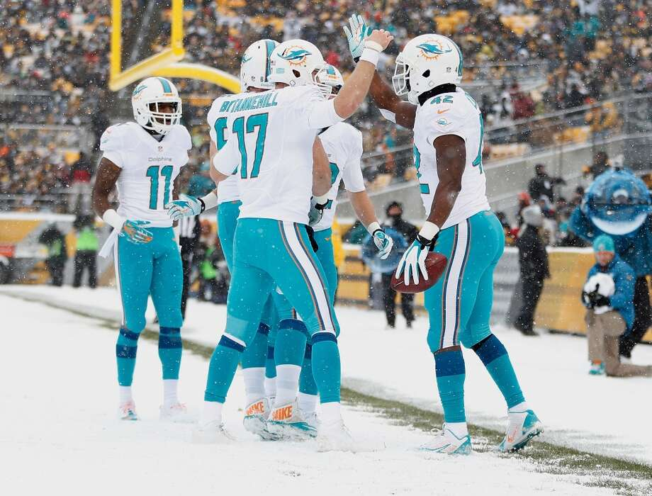 15. Dolphins (7-6) Last week: 16  Miami is tied with Baltimore for last AFC wild card spot entering its home game against New England. Photo: Gregory Shamus, Getty Images